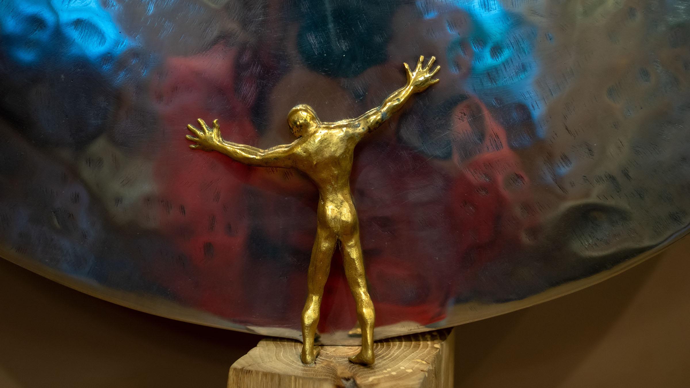 Внутренний мир. 2018. (фрагмент). Адель Халиуллин::«Апокалипсис. Возрождение ». Адель Халиуллин (скульптура), Анна Федорова (живопись)