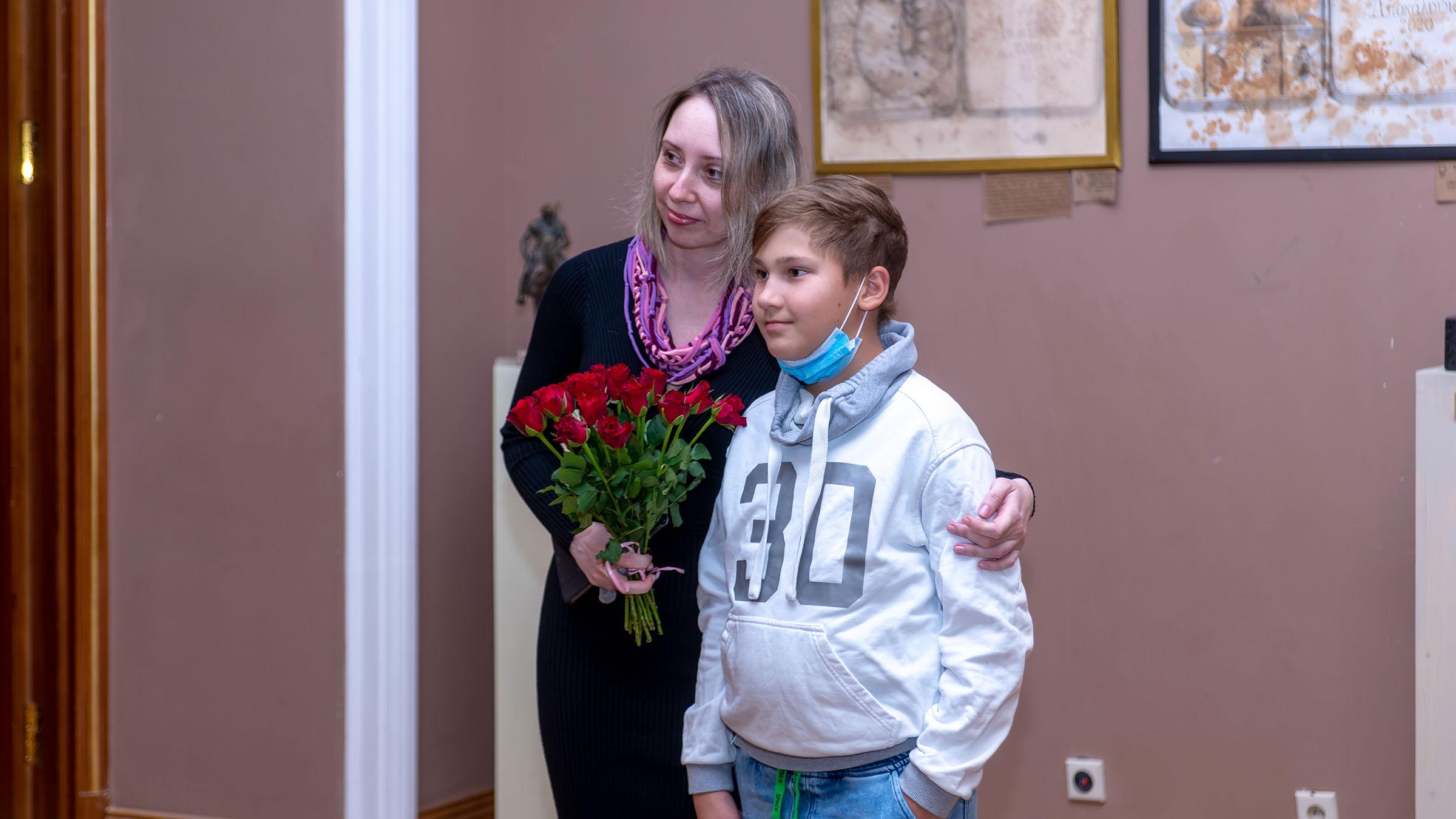 Анна Федорова::«Апокалипсис. Возрождение ». Адель Халиуллин (скульптура), Анна Федорова (живопись)