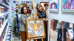 На открытии выставки Людмилы Бабаевой