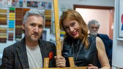 Айдар Дахинович и Людмила Бабаева на выставке «Рыжее настроение»