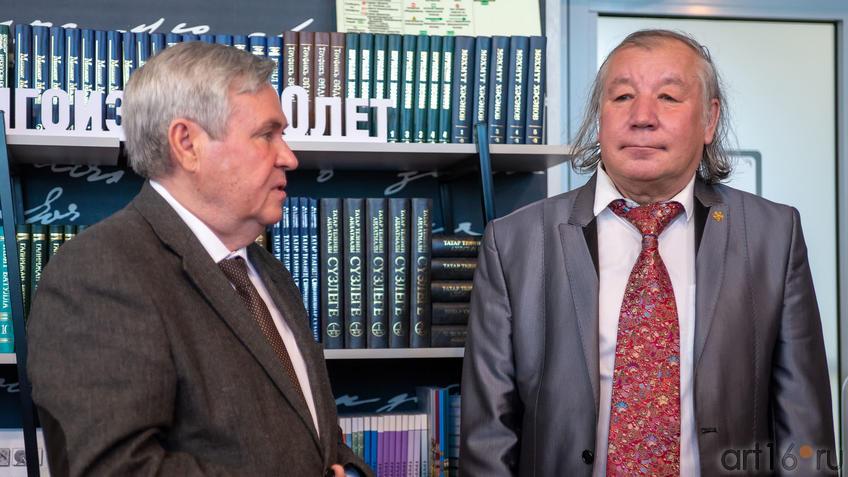 Ахат Мушинский,  Фиринат Халиков::Презентация книги: Ахат Мушинский. Запах анисовых яблок