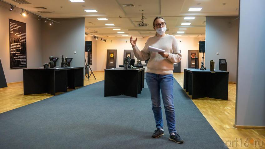 В экспозиции выставки «Война и мир Вадима Сидура»::Война и Мир Вадима Сидура