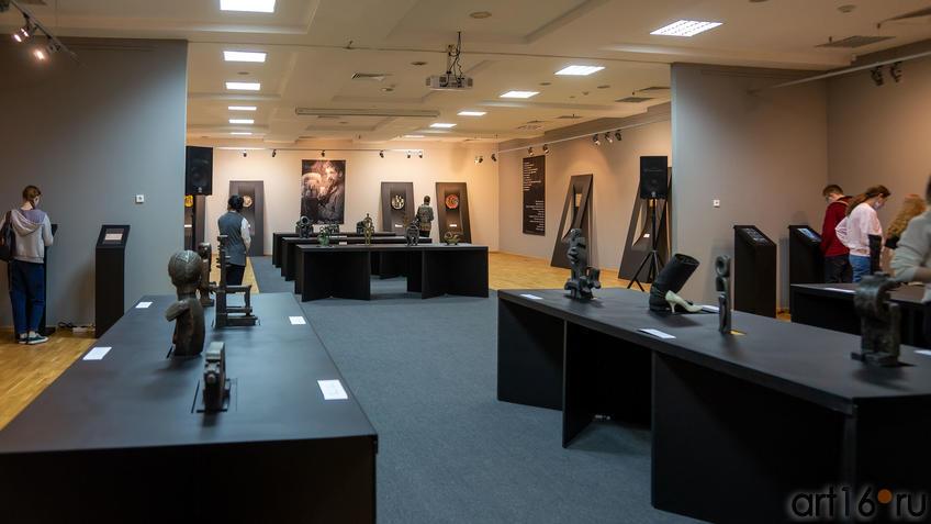 Фрагмент экспозиции выставки «Война и мир Вадима Сидура»::Война и Мир Вадима Сидура