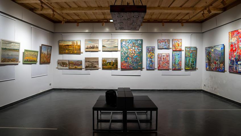 Экспозиция выставки «7Я» Александра и Алексея Черных в Дом-АРТ::«7Я» выставка Александра и Алексея Чёрных