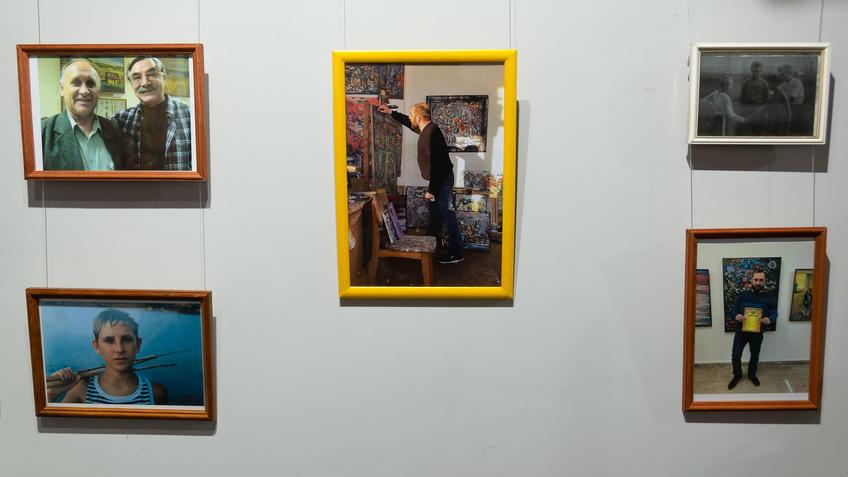 Фрагмент экспозиции выставки «7Я» Александра и Алексея Черных::«7Я» выставка Александра и Алексея Чёрных