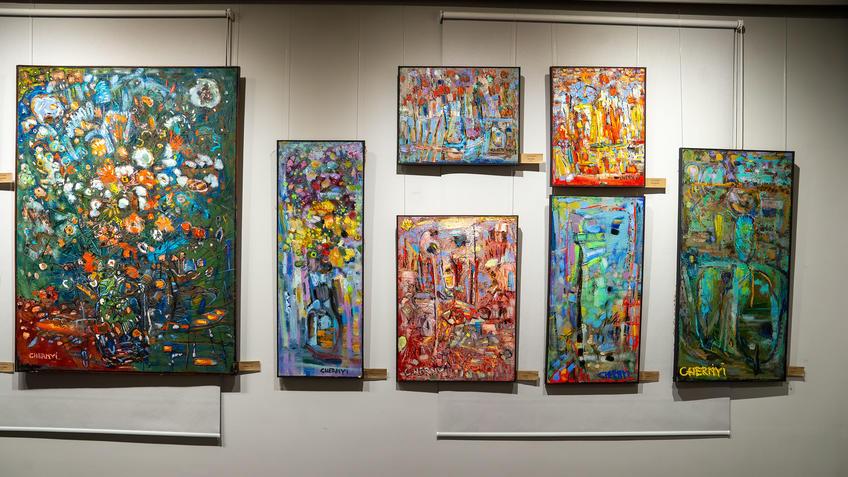 Фрагмент экспозиции. 7 работ Алексея Чёрного::«7Я» выставка Александра и Алексея Чёрных