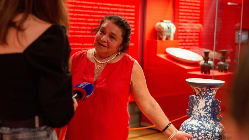 В экспозиции выставки ʺПять символов счастьяʺ::Пять символов счастья. Выставка Государственного Эрмитажа