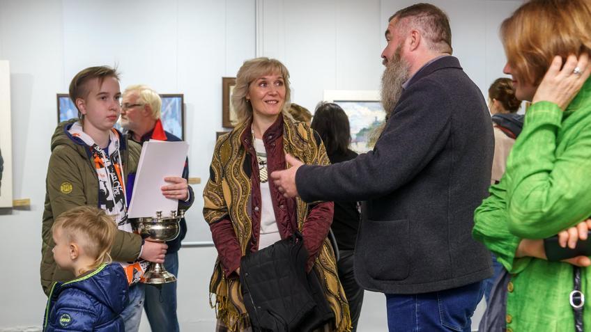 На открытии выставки «Мы вместе»::Бато Дугаржапов, Ирина Митрикова «Без булдырабыз! Мы можем!»