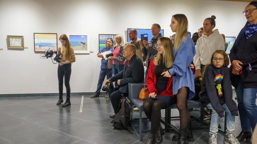 На открытии выставки «Мы можем»::Бато Дугаржапов, Ирина Митрикова «Без булдырабыз! Мы можем!»